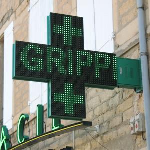 Fabrication enseignes lumineuses, l'entreprise Graphik-pub est spécialisé dans la pose d'enseignes lumineuses ainsi que les croix de pharmacie, caisson lumineux, projecteur