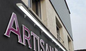 Fabrication enseignes lumineuses, projecteurs, croix de pharmacies, éclairage d'enseigne par Graphik pub, Arras Hesdin